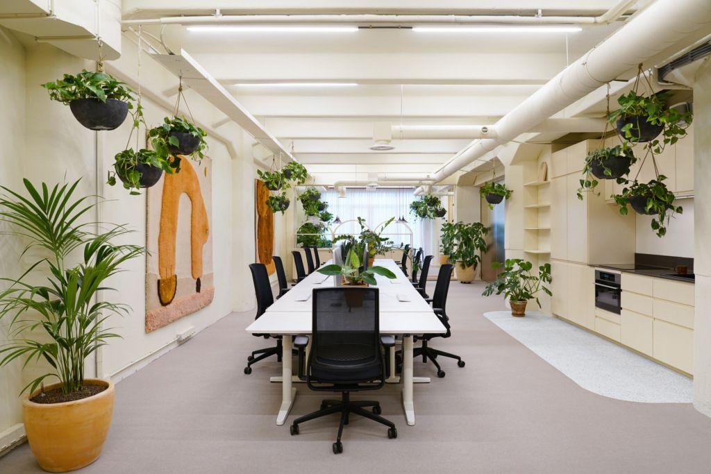 Mẫu thiết kế văn phòng hiện đại